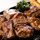 【送料無料】数量限定入荷!!飲食店御用達 訳ありサーロインステーキひとくちカット1kg/牛肉(ポイント)