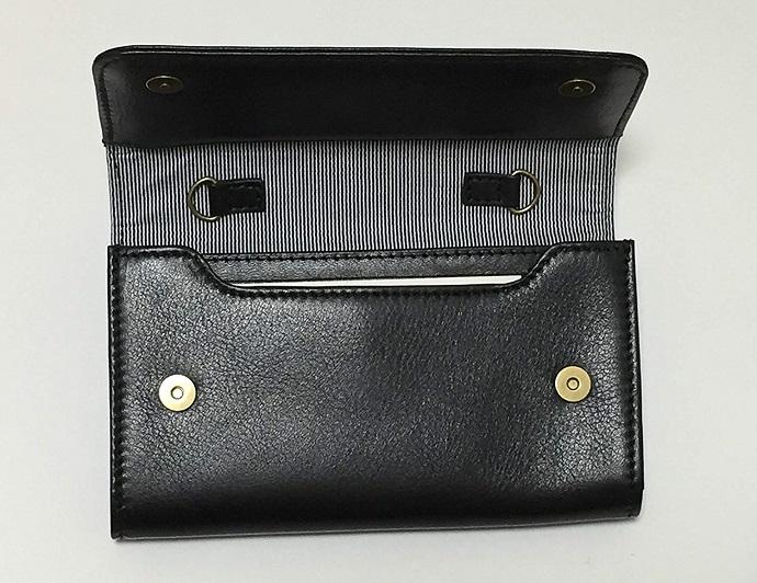 【送料無料】[スモールサイズ] スイス発のスマホ入れとお財布にもなるショルダーミニバッグ iPnone5, 5Sサイズ向け/ 鍵や定期入れ用のフック付きブラック