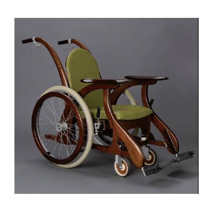木のぬくもりThe Classic【木製車椅子】