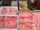 数量限定お試し価格!!おうちでお店の味!!北海道産和牛と北海道産豚肉のしゃぶしゃぶセット和牛250g &豚肉250の計500g オリジナル中華麺&薬膳火鍋スープ付
