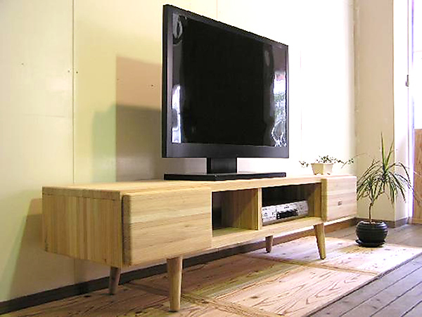 NADEテレビボード