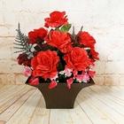 赤いバラのアレンジメントフラワー