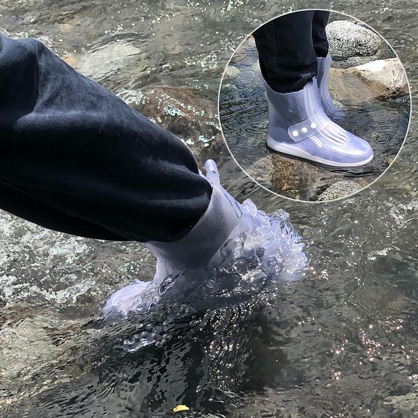 折り畳み傘のような感覚で持ち運びが可能!【送料無料】■靴の上から履ける長靴■ コンパクト 雨対策 雪対策 便利 靴 便利 アイディア商品 持ち運び 折り畳み 新商品 【3】