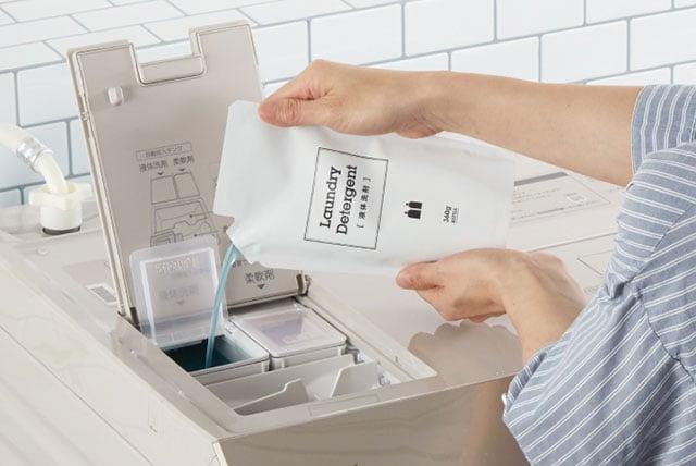 自動投入タンクに液体合成洗剤と柔軟剤を入れておけば、洗濯のたび計量しなくてOK