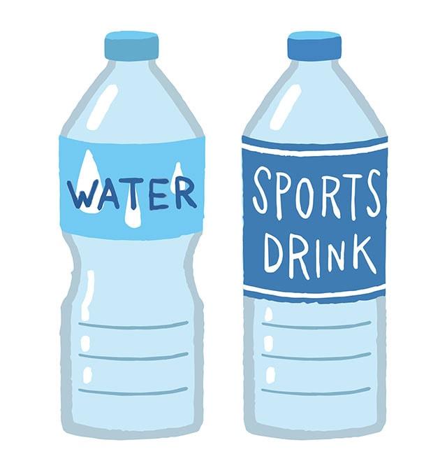 水とスポーツドリンクをバランスよく