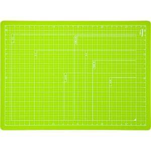 ナカバヤシ 折りたたみカッティングマット A4サイズ グリーン CTMO-A4-G