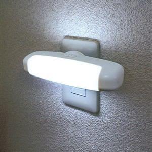 ELPA LEDセンサー付ライト 白色 PM-L75(W)
